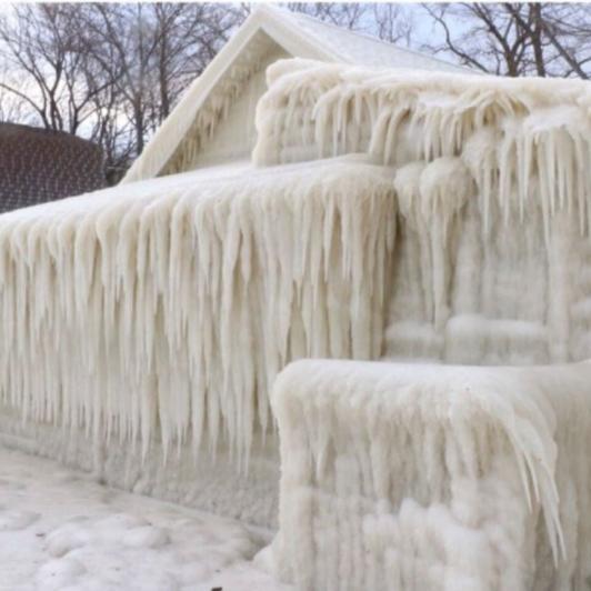 Frozen house.jpg