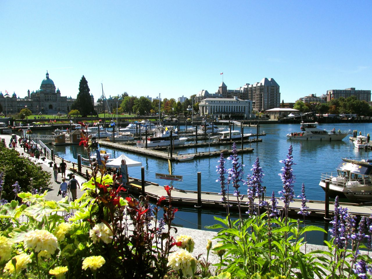 The Harbour Victoria Sep 2015.jpg
